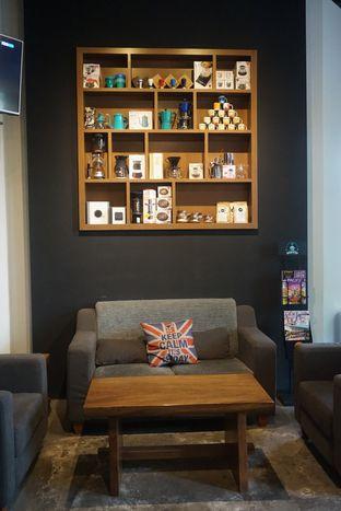 Foto 10 - Interior di Doppio Coffee oleh Andin | @meandfood_