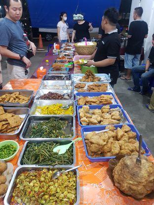 Foto 1 - Makanan di Nasi Uduk Bu Sum oleh Yuli || IG: @franzeskayuli