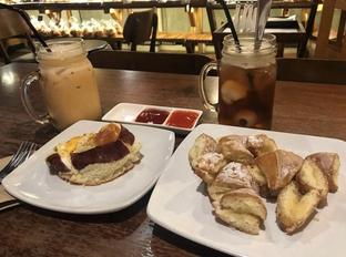Foto 7 - Makanan di Red Blanc Coffee & Bakery oleh @eatfoodtravel