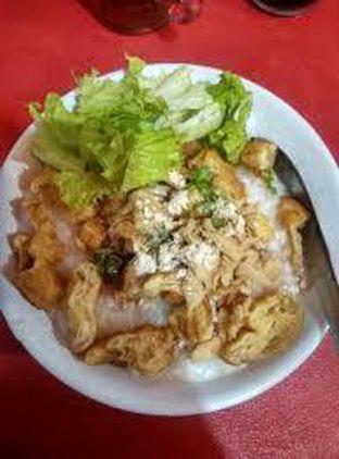 Foto 3 - Makanan(sanitize(image.caption)) di Bubur Ayam Spesial Ko Iyo oleh Threesiana Dheriyani