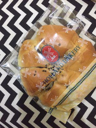 Foto 1 - Makanan di Holland Bakery oleh yudistira ishak abrar