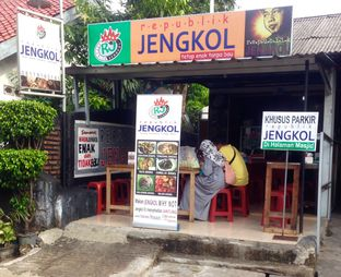 Foto review Republik Jengkol oleh Ibnu Akmal 1