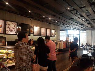 Foto 7 - Interior di Starbucks Reserve oleh Lid wen