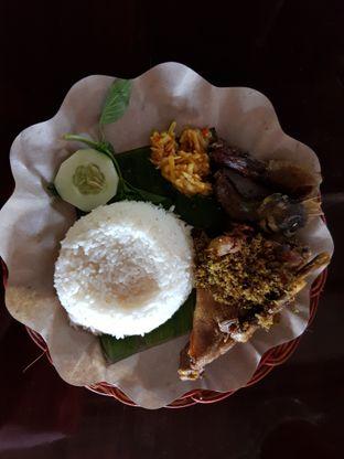 Foto 2 - Makanan di Bebek Goreng Harissa oleh Amrinayu