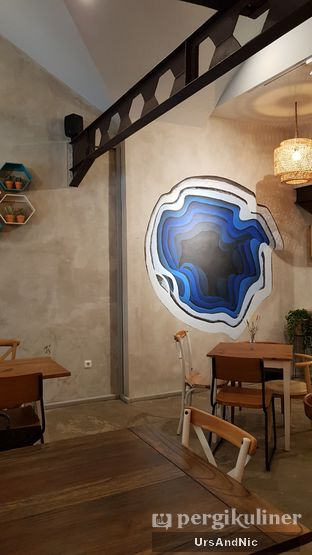 Foto 10 - Interior di Kona Koffie & Eatery oleh UrsAndNic
