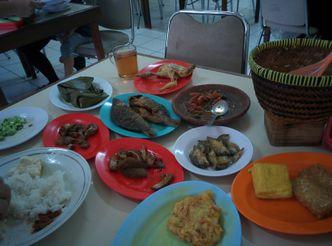Foto Makanan di RM Sunda Purwakarta