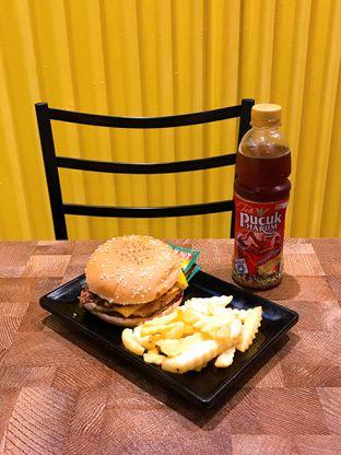 Foto 2 - Makanan di FIX Burger oleh yudistira ishak abrar