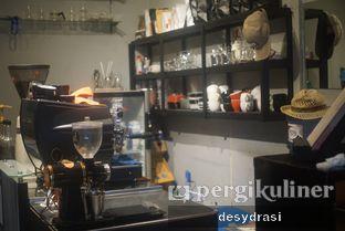 Foto 6 - Interior di Jadid Coffee oleh Desy Mustika