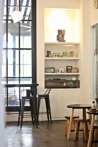 Foto 4 - Interior di Tuang Coffee oleh thehandsofcuisine