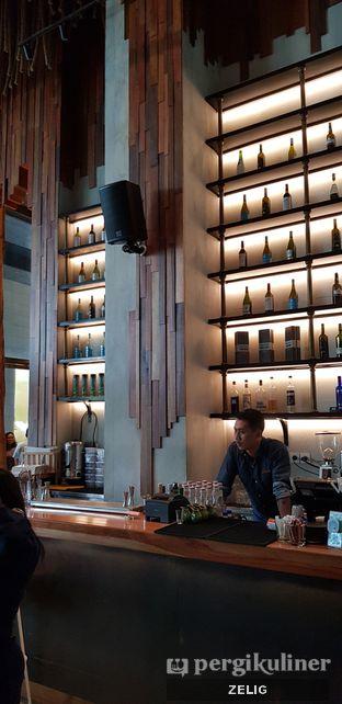 Foto 2 - Interior di Lalla Restaurant oleh @teddyzelig