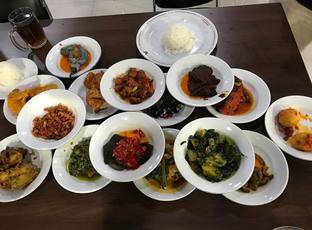 Foto 2 - Makanan di Restoran Sederhana SA oleh Mitha Komala