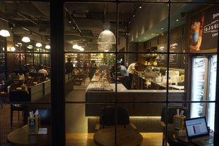 Foto 20 - Interior di The People's Cafe oleh yudistira ishak abrar