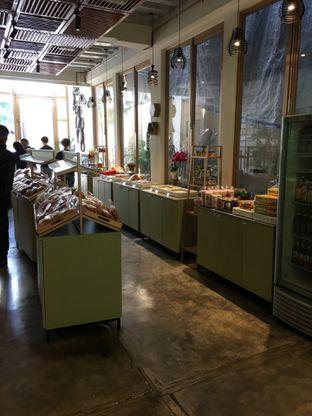 Foto 6 - Interior di New Lareine Coffee oleh Mariane  Felicia
