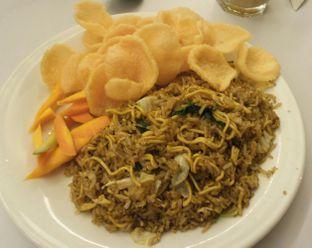 Foto 3 - Makanan(NASI GORENG AWUT) di Eat Boss oleh Agni Lastari