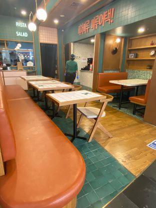Foto 10 - Interior di Pizza Maru oleh Levina JV (IG : @levina_eat & @levinajv)