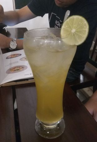 Foto 1 - Makanan(Summer Tea (IDR 33k) ) di Onni House oleh Renodaneswara @caesarinodswr
