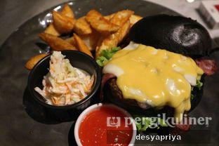 Foto 3 - Makanan(Blacklisted Burger) di Blacklisted oleh Desy Apriya