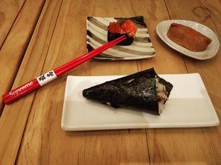 Foto 3 - Makanan(Salmon Ikura Zuke Gunkan, Salmon Skin Temaki, Inari.) di Nama Sushi by Sushi Masa oleh Baka! Sushi (@idiotsushi)