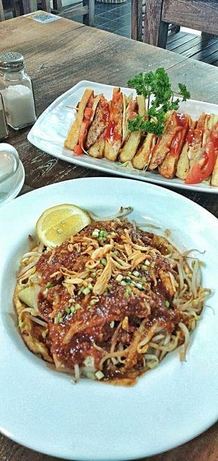 Foto 21 - Makanan di PLUIE Cafe & Resto oleh duocicip