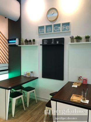 Foto 5 - Interior di Lab Cafe oleh Cubi
