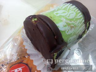 Foto 3 - Makanan(Banana Roll) di Holland Bakery oleh Vera Arida