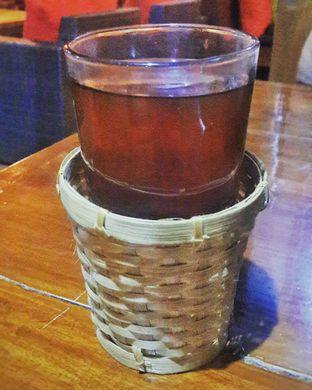 Foto 5 - Makanan(Teh Tawar (Free - Nett)) di RM Bumi Nini oleh Rinni Kania
