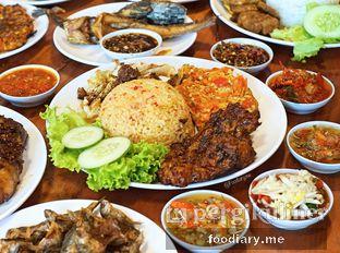 Foto 2 - Makanan di Sambal Khas Karmila oleh @foodiary.me | Khey & Farhan