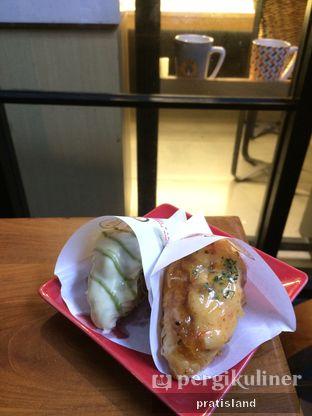Foto 3 - Makanan(Croissant Genmaitcha) di Roppan oleh Pratista Vinaya S