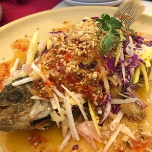 Foto 3 - Makanan(Gurame Mango Salad) di Eastern Opulence oleh @stelmaris