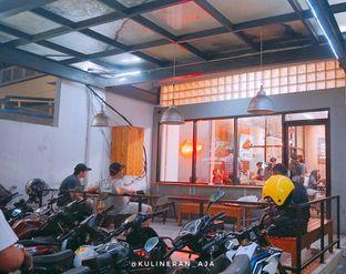 Foto 4 - Eksterior di Makmur Jaya Coffee Roaster oleh @kulineran_aja