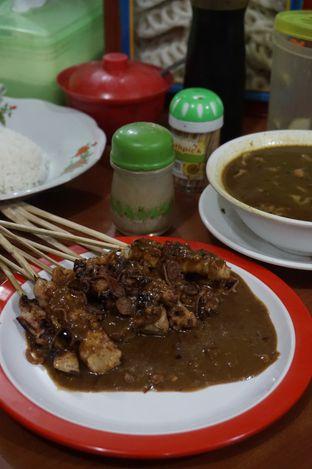 Foto 2 - Makanan di Warung Sate Tongseng Pak Naryo Solo oleh yudistira ishak abrar