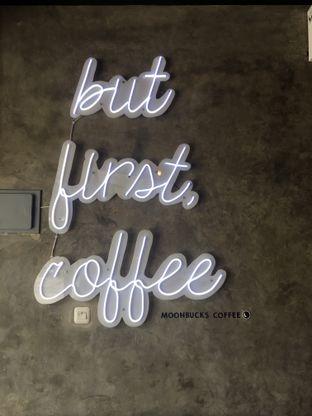 Foto 17 - Interior di Moonbucks Coffee oleh Mariane  Felicia