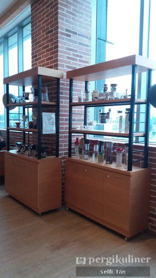 Foto 4 - Interior di Hario Coffee Factory oleh Selfi Tan