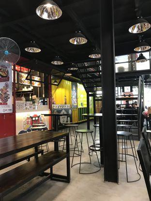 Foto 1 - Interior di Jikasei Sushi oleh wulanfung