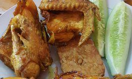 Nasi Uduk Betawi Ayam Goreng H. Syatiri Amat