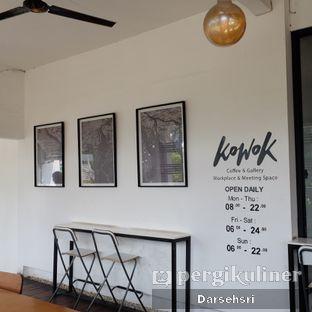 Foto 3 - Interior di Kowok Coffee & Gallery oleh Darsehsri Handayani