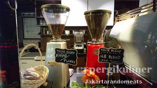 Foto 8 - Interior di Kopi Boutique oleh Jakartarandomeats