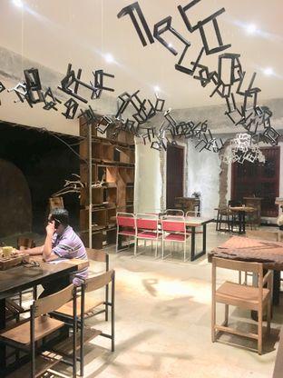 Foto 31 - Interior di Artivator Cafe oleh Prido ZH