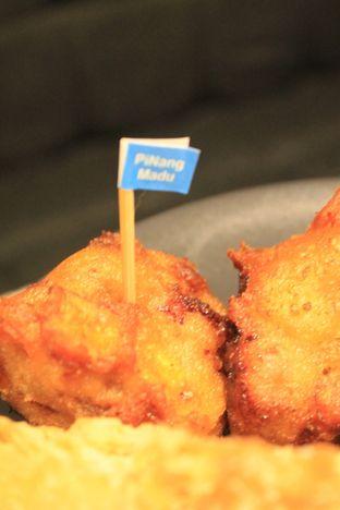Foto 25 - Makanan di YOMS Pisang Madu & Gorengan oleh Prido ZH