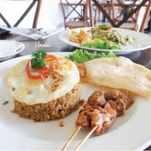 Foto 1 - Makanan di Lake View Cafe oleh Claudia @grownnotborn.id