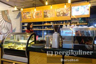 Foto 6 - Interior di Wake Cup Coffee oleh Darsehsri Handayani