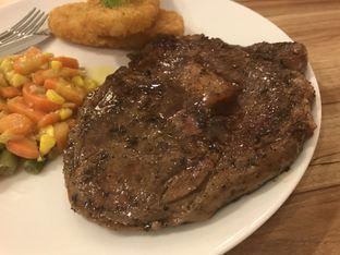 Foto 4 - Makanan di C4 Steak House oleh Oswin Liandow