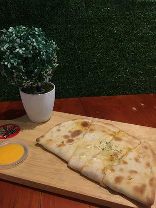Foto 1 - Makanan di Master Cheese Pizza oleh Dessylia Wijaya