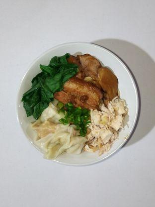Foto 4 - Makanan di Bakmie Oink oleh Christ the Eater