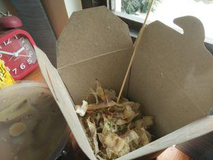 Foto 2 - Makanan(Takoyaki) di Kedai Kopi Legend oleh Jonathan Dimas