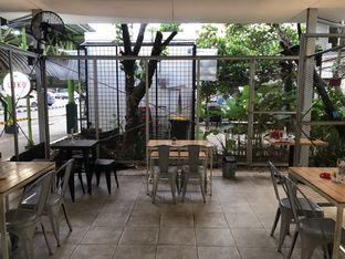 Foto 18 - Interior di Loko Cafe oleh yudistira ishak abrar