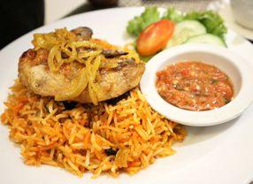 6 Restoran Timur Tengah di Surabaya Ini Bikin Kamu Terhanyut Suasana Deh!