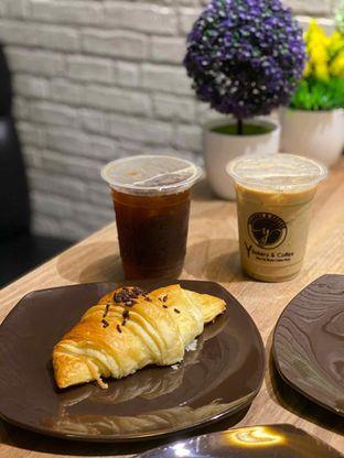 Foto review Y Bakery & Coffee oleh Jeljel  4