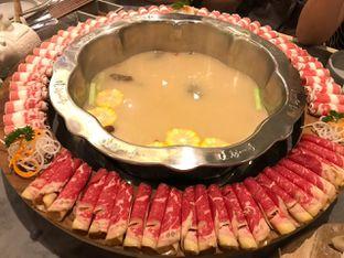 Foto - Makanan(Pork and Corn Soup) di Chongqing Liuyishou Hotpot oleh Siu Lei