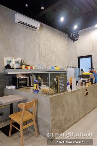 Foto 10 - Interior di Toebox Coffee oleh Shella Anastasia